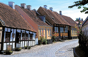 20074Ebeltoft by overgade